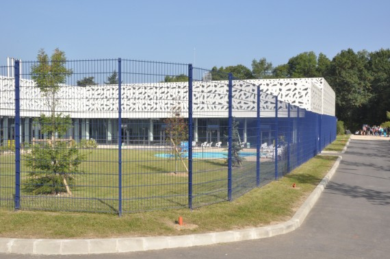 Piscine le design en lisi re de for t autres clamart for Clamart piscine