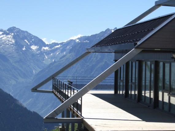 charpente m tallique restaurant d 39 altitude alpe d 39 huez. Black Bedroom Furniture Sets. Home Design Ideas